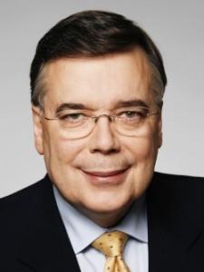 Geir. H.Haarde, primer minsitros en el momento del estallido de la crisis. Representante del conservador PI Partido de la Independencia, que gonbernó Islandia hasta 2009.