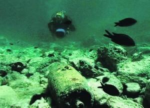 Fondos marinos tapizados de bombas químicas, una caja de Pandora a medio abrir.