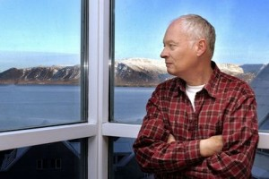 Gudbergur Bergsson, escritor y voz crítica islandesa.