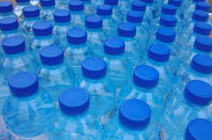 El agua embotellada es un negocio muy lucrativo pero con consecuencias nada trasparentes.